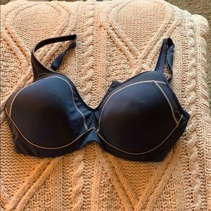 Natori bra. With clasps. Navy. Used